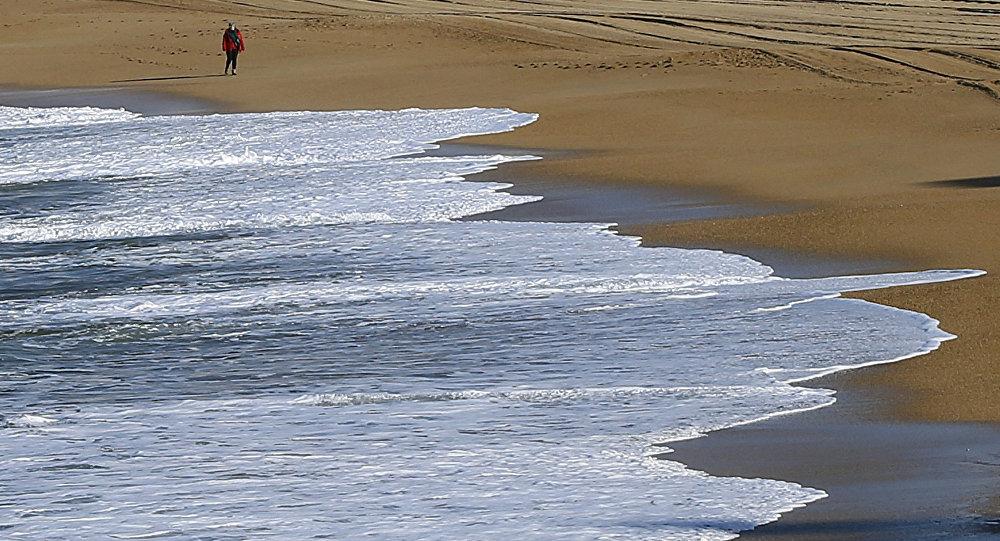 外媒:一戰期間德國潛艇的殘骸出現在法國的沙灘上
