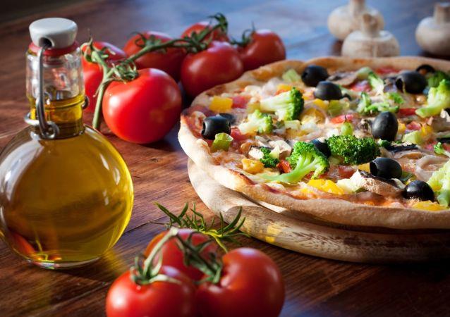 棒約翰創始人30天內吃了40個披薩稱情況變得越來越糟