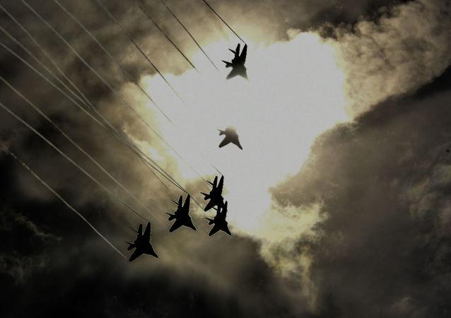 美國與芬蘭將在俄邊境附近進行戰鬥機空中加油訓練