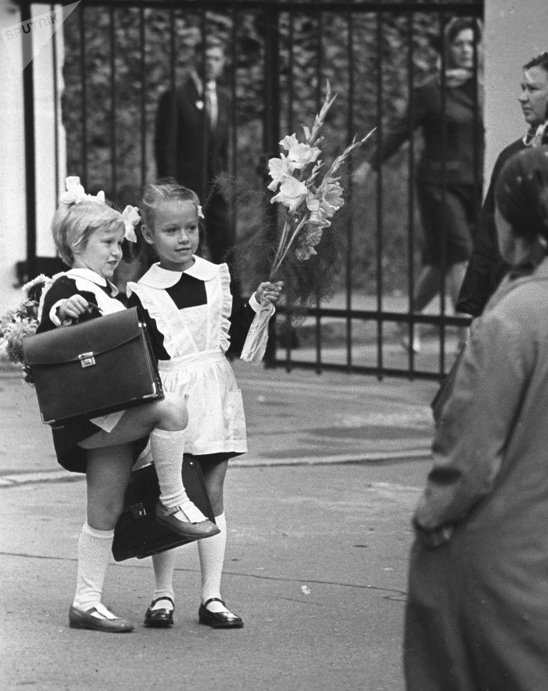 一年級新生,1973年。