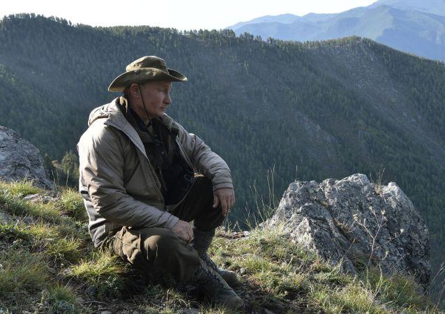 佩斯科夫:普京生日前一天去過西伯利亞原始森林