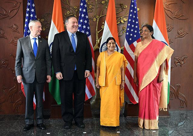 美國和印度首次舉行外長和防長「2+2」對話