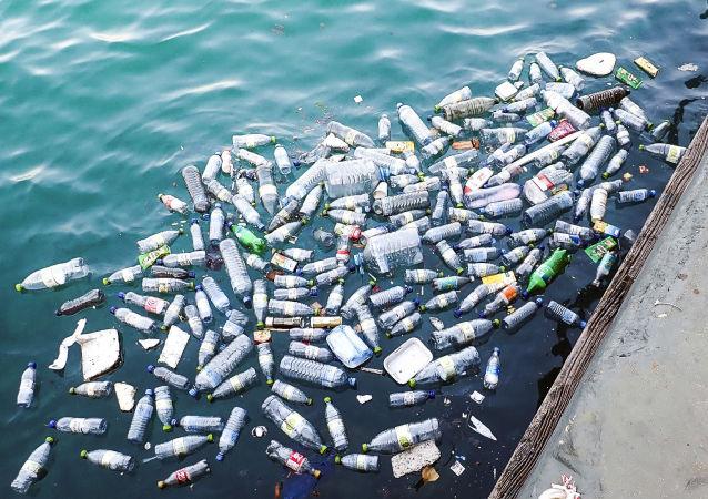 媒體:Ocean Cleanup公司推出在太平洋收集塑料垃圾的系統