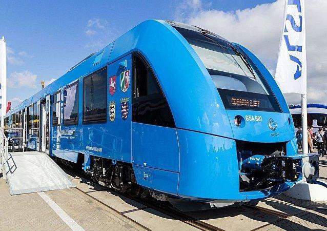 以氫燃料電池Coradia iLint驅動的火車