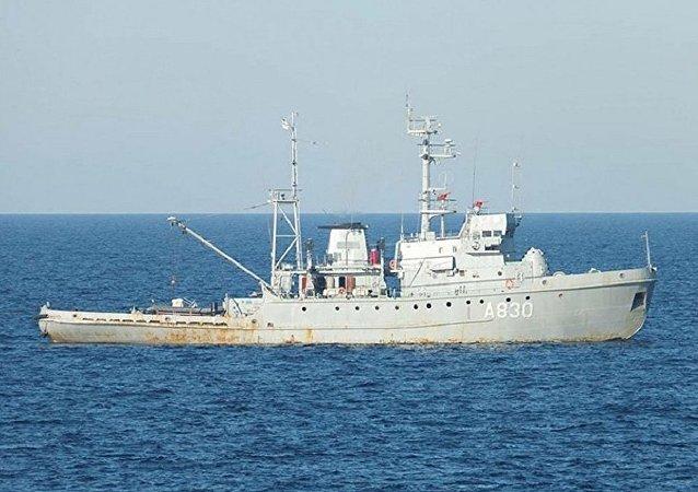 「科列茨」號船隻