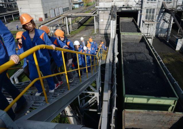 俄能源部預計將擴大對華供應煤炭