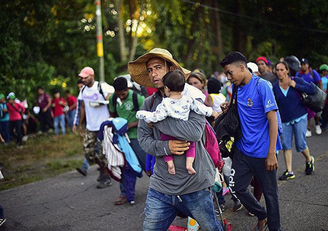 向美國移動的洪都拉斯移民在墨西哥