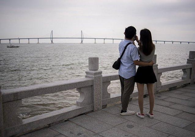 「惡作劇者」向中國單身漢提供俄羅斯和日本姑娘