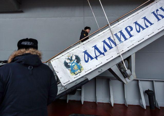 墜落在「庫茲涅佐夫海軍上將」號航母甲板上的起重機將在新年前被清理