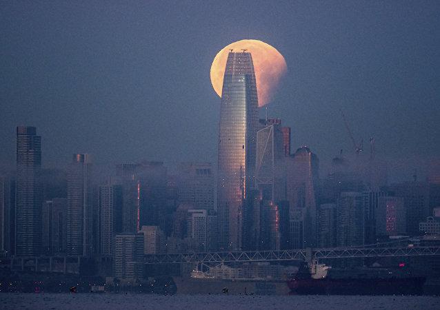 舊金山最高摩天大樓Salesforce塔