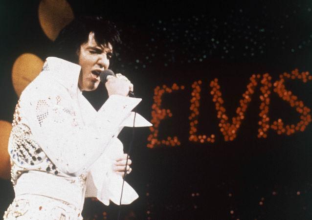 美國搖滾歌手埃爾維斯·普雷斯利