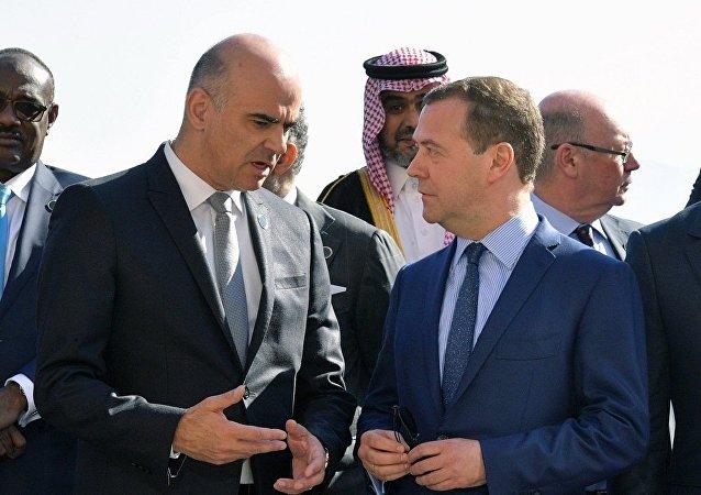 俄總理與瑞士總統討論達沃斯論壇拒絕多名俄代表出席一事