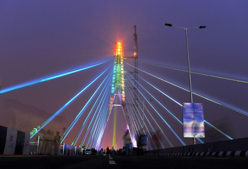 在新德里的「地標橋」,印度
