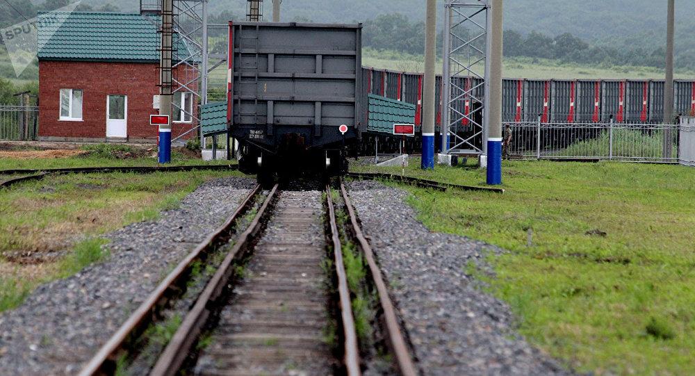 俄鐵路集裝箱運輸公司經鐵路對華輸出俄鋁產品比海路快近2倍