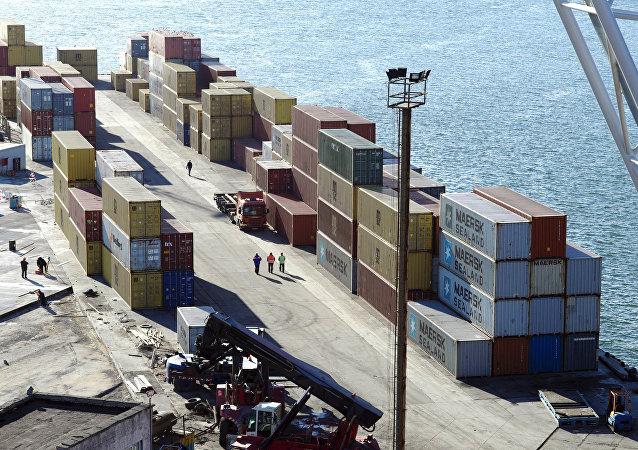 中國海關總署:1-5月俄中貿易額為408.93億美元 同比下降4.3%
