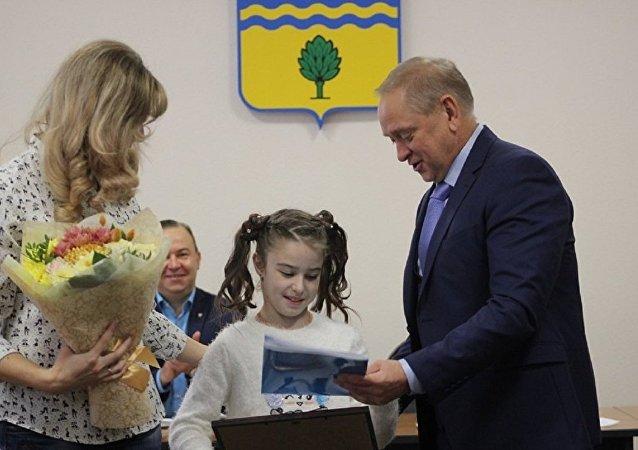 10歲女孩創下俄羅斯引體向上記錄