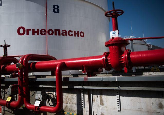 俄經發部預計油價將長期保持每桶50美元左右