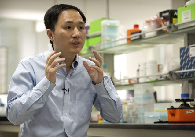 「基因編輯嬰兒」 製造者賀建奎對其研究「成果」致歉