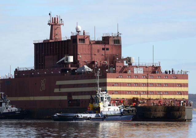 「羅蒙諾索夫院士」號浮動核電站