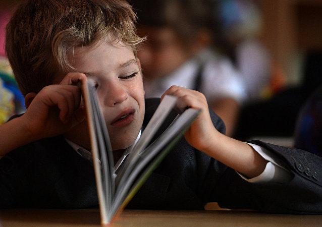 調查:一半以上俄羅斯家長替孩子做作業