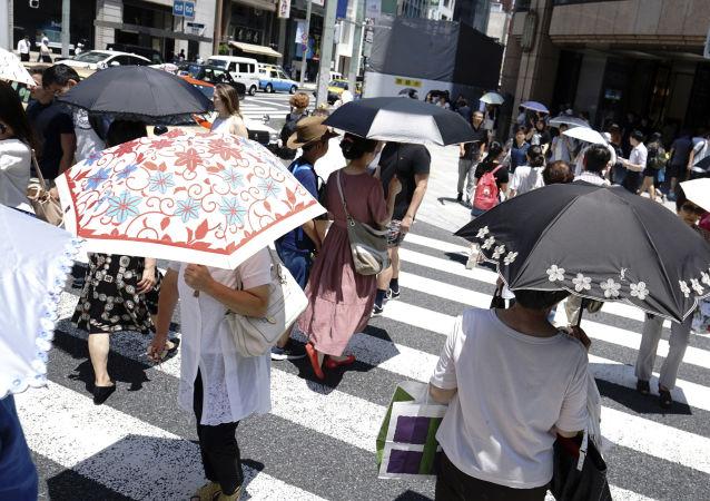 日本初冬現零上26度創紀錄高溫天氣
