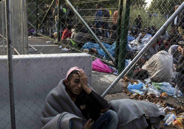 國際移民組織:共有10多萬移民今年橫跨地中海進入歐洲