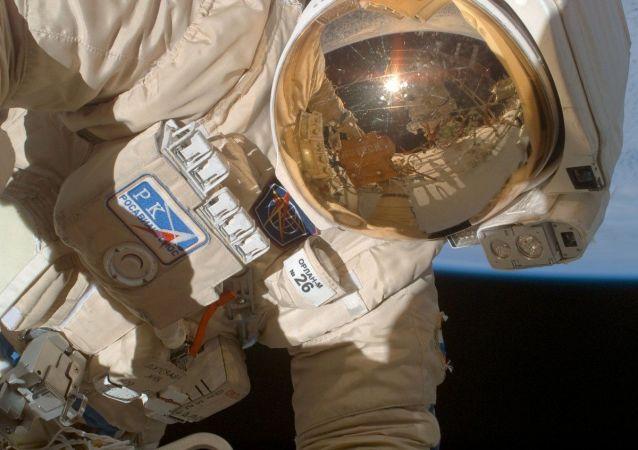 消息人士:宇航員丟失一份聯盟「窟窿」封膠取樣