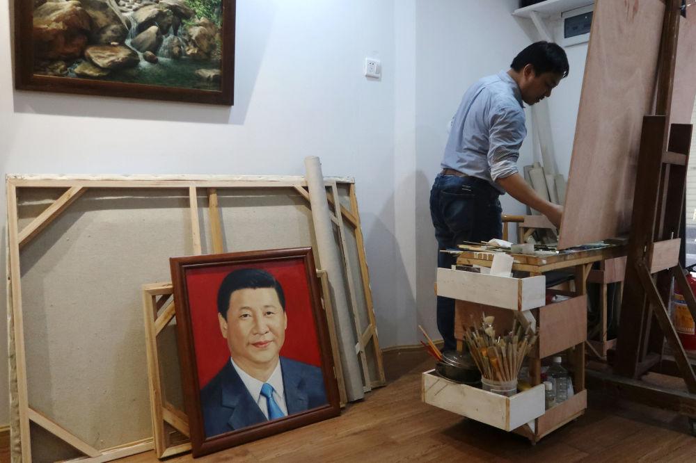 藝術家工作室的習近平肖像。
