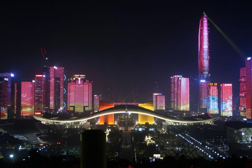 中國改革開放四十週年前夕的深圳照明