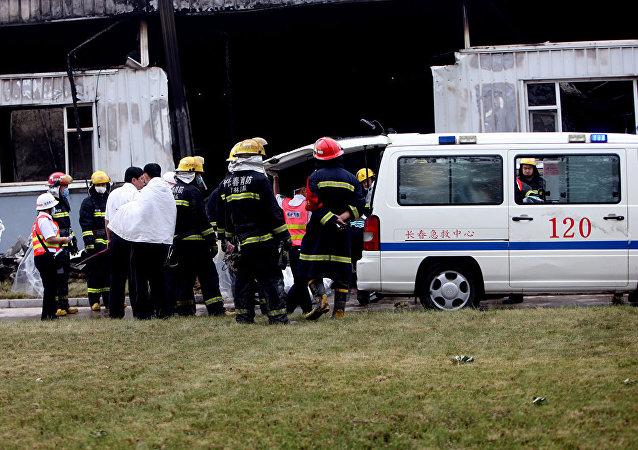 救援人員從中國倒塌的酒店廢墟下救出50人