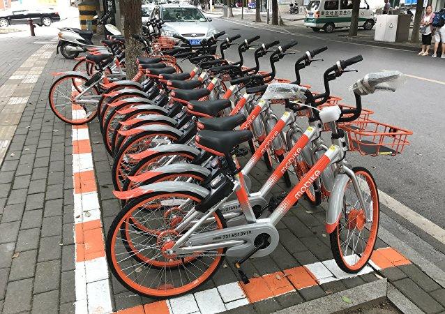 莫斯科市交通部門:今年將提早開放出租自行車和滑板車的服務