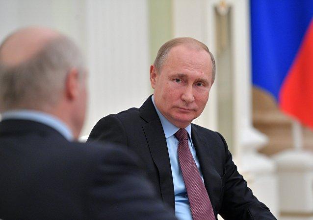 白俄羅斯總統稱與普京永遠「相看兩不厭」