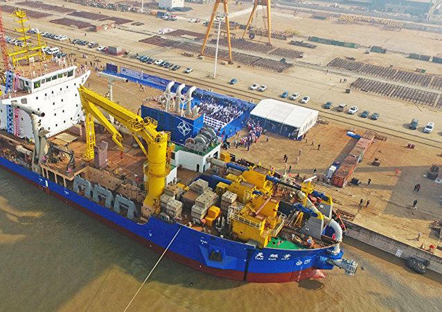 中國建造的亞洲最大重型自航絞吸船「天鯤號」具備投產能力