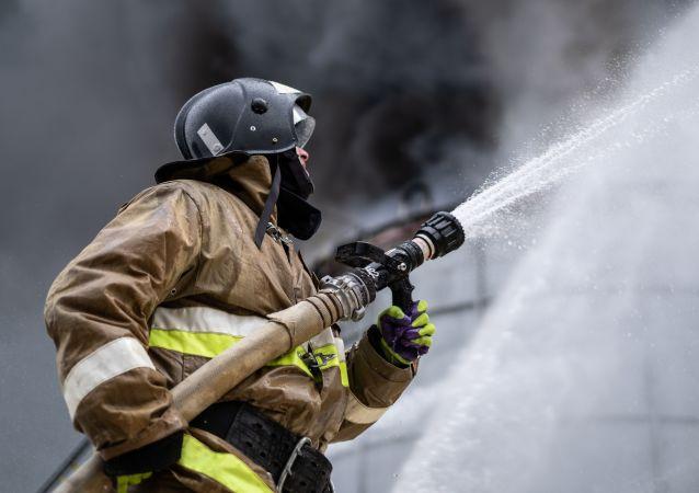 緊急服務部門:俄羅斯奧倫堡州一家鍍鋅廠發生大火