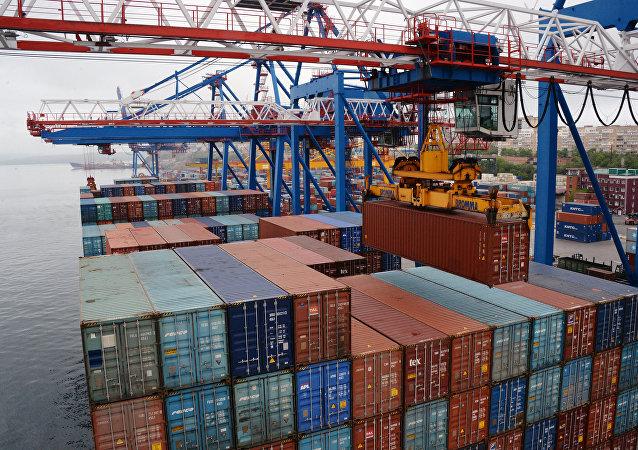 Fesco開通從哈巴羅夫斯克邊疆區經濱海邊疆區至中國的定期集裝箱列車