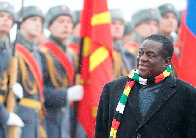 津巴布韋總統稱該國期望未來在軍隊現代化升級方面得到俄方支持