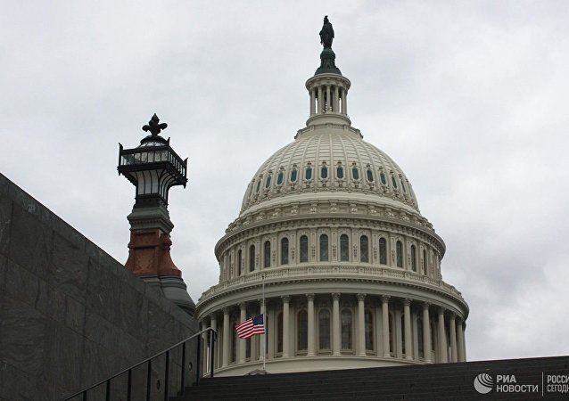 美國參議院通過預算避免再次關門