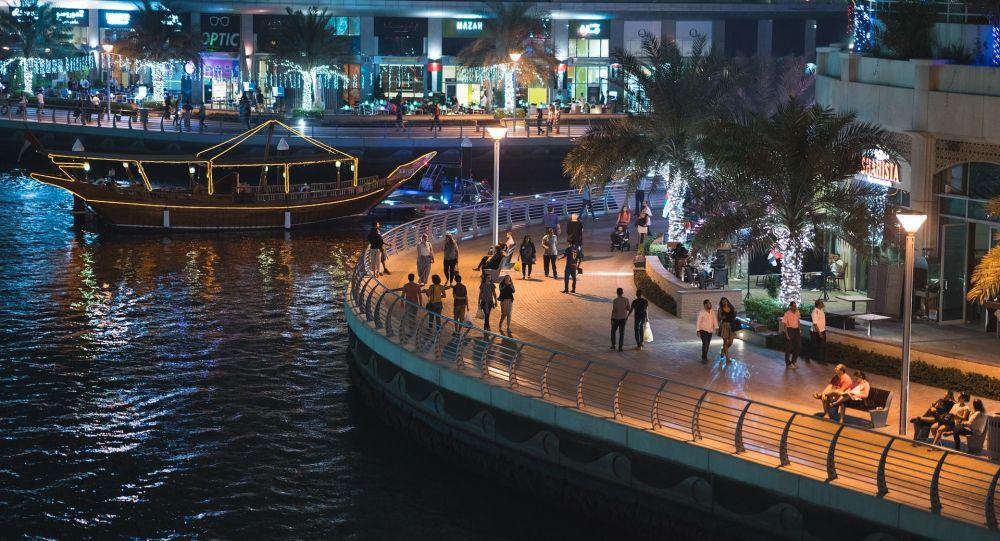 迪拜允許遊客在商店購買酒精飲品