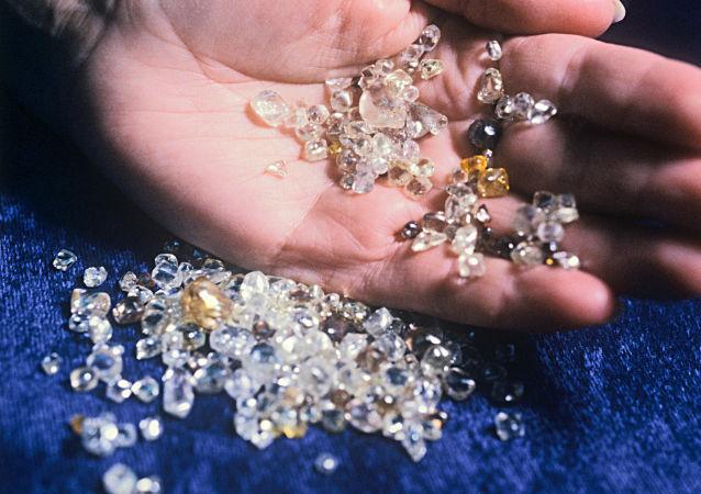 委內瑞拉與巴勒斯坦簽訂鑽石生產協議