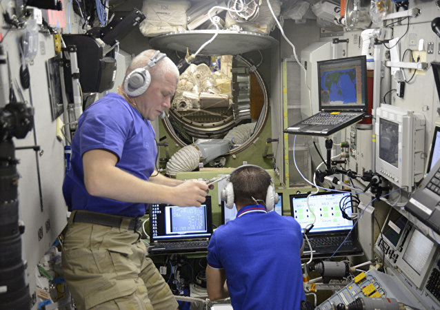 俄羅斯宇航員在國際空間站工作