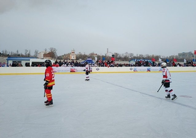 俄中冰球隊將第四次在阿穆爾河冰面上爭鋒