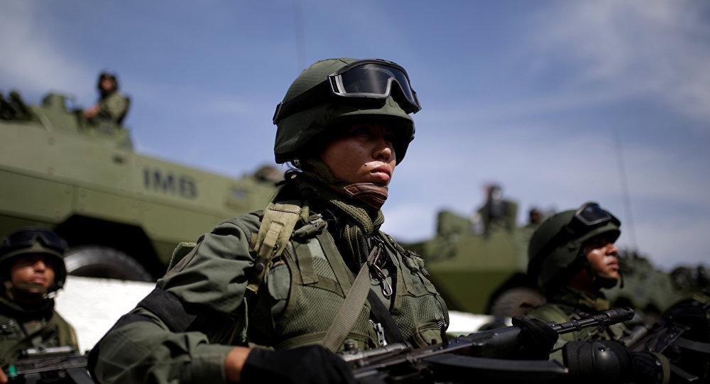 馬杜羅因哥倫比亞和美國策劃挑釁行為下令軍隊進入戰備狀態