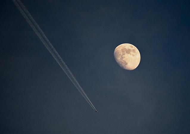 俄院士:科學家有多種理論解釋月球形成的原因
