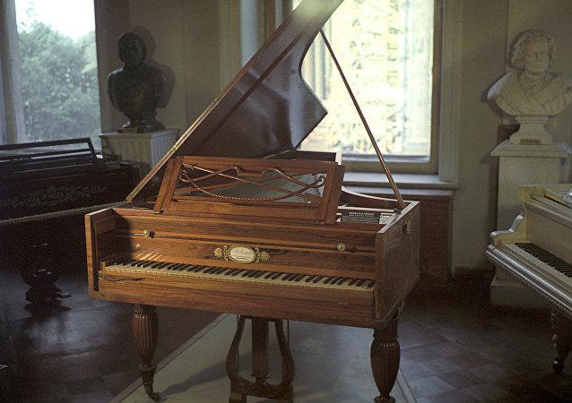 捨列梅捷夫宮—音樂博物館