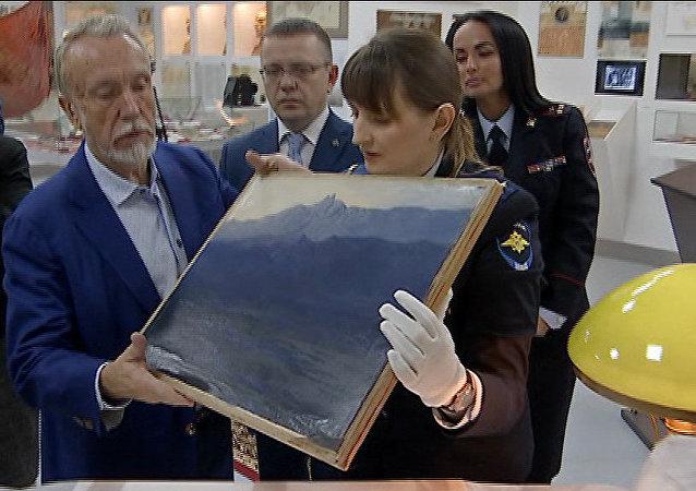 展覽現場被盜的阿爾希普•庫因吉畫作《克里米亞艾佩特里峰》(Ai-Petri. Crimea)已被追回
