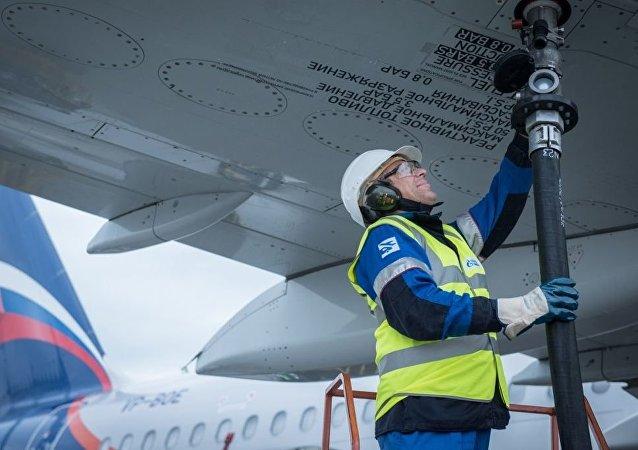 俄天然氣工業石油公司開始在中國為俄航飛機加油