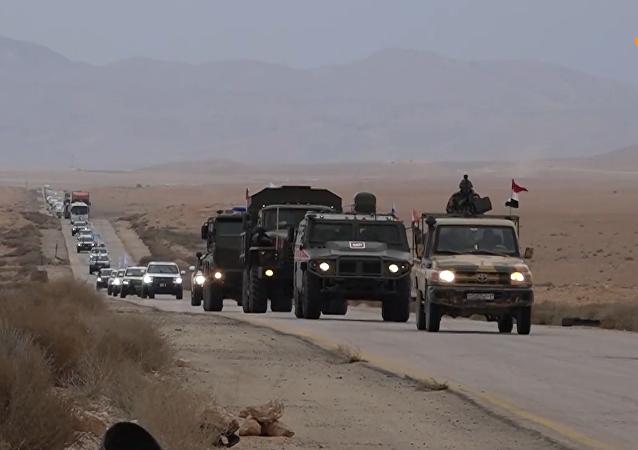 俄軍同聯合國人道車隊一同前往魯克班難民營