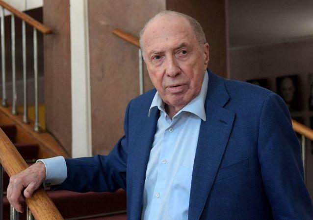 Актер и режиссер Сергей Юрский