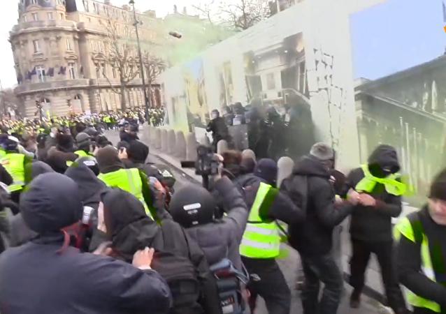 巴黎「黃背心」抗議活動