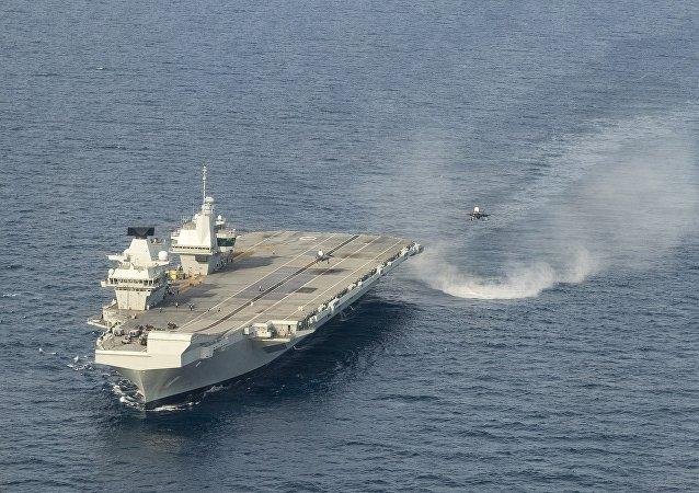 英國最新型航母因進水損壞